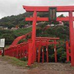 荒天時の元乃隅稲成神社は傘でなく雨がっぱがオススメ