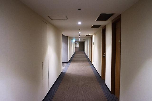 大阪出張も宿泊税がかかる!出張旅費の経理処理における注意点