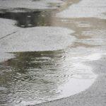 雨の日でも気にせずジョギング お手軽アイテムでスマホも防水